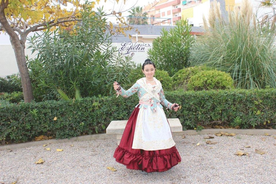 traje de fallera, indumentaria valenciana, espolín amparo gómez